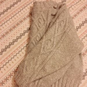 H&M cozy cropped sweater
